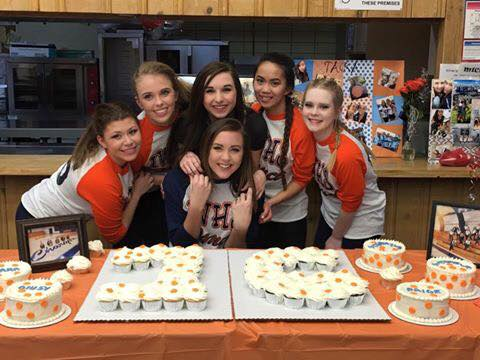 The '15-'16 seniors mingling with lots of baked goods