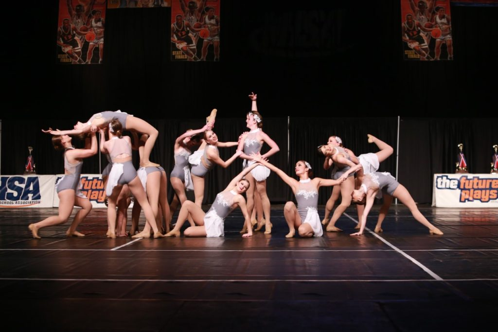 Highland shines bright on IHSA's dark stage